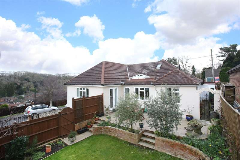 4 Bedrooms Detached House for sale in Keston Avenue, Coulsdon