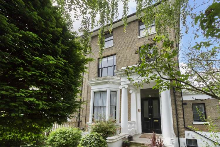 2 Bedrooms Flat for sale in Granville Park Lewisham SE13