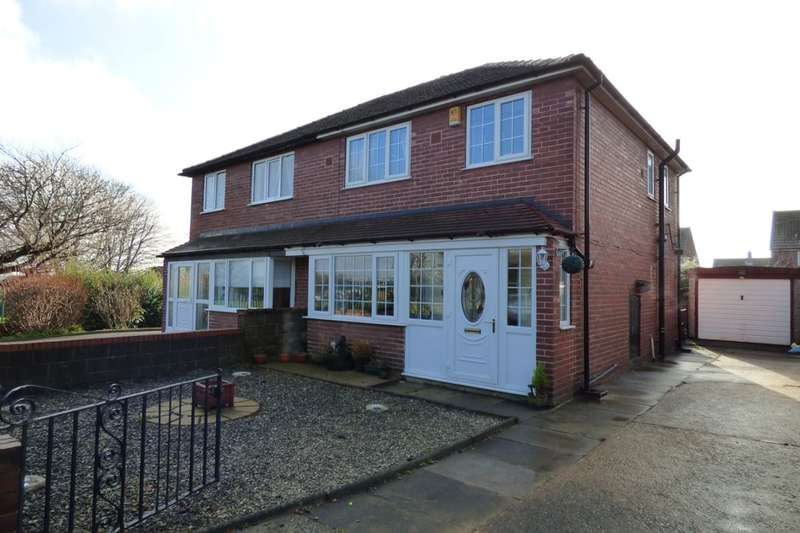 3 Bedrooms Semi Detached House for sale in Highfield Crescent, Woodlesford, Leeds, LS26