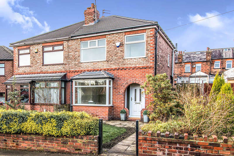 3 Bedrooms Semi Detached House for sale in St. Georges Crescent, Worsley, Manchester, M28