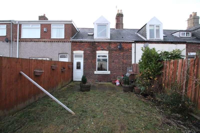3 Bedrooms Property for sale in Hill Street, Silksworth, Sunderland, SR3