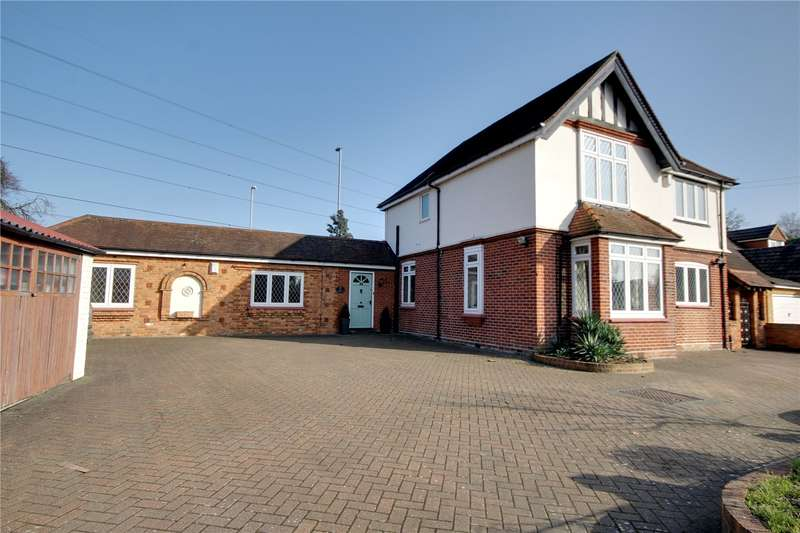 4 Bedrooms Detached House for sale in Greenlands Road, Staines-upon-Thames, Surrey, TW18