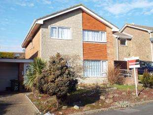 4 Bedrooms Detached House for sale in Linksway, Folkestone, Kent
