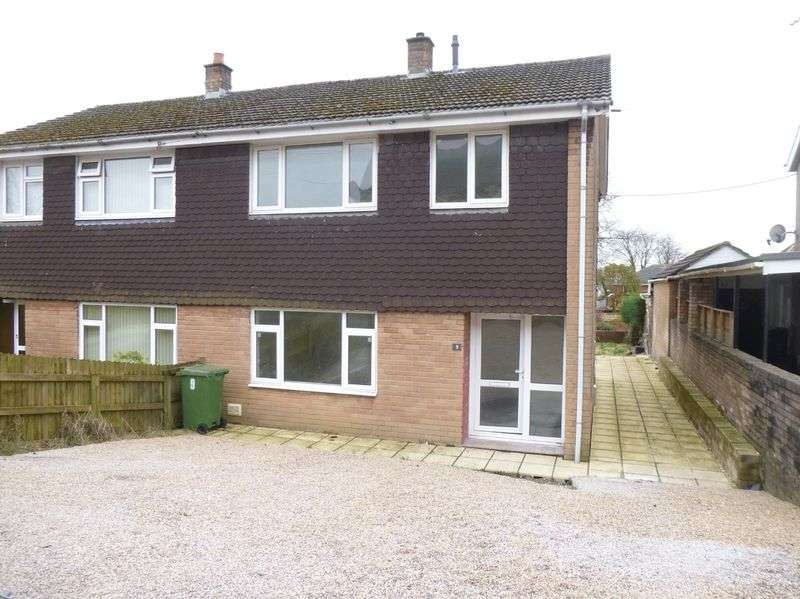3 Bedrooms Semi Detached House for sale in Charles Street, Pontnewydd, Cwmbran