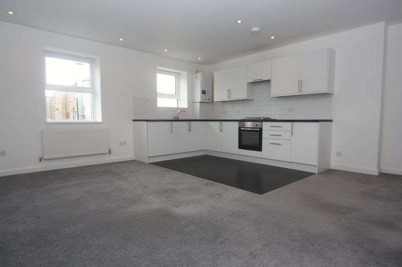 2 Bedrooms Flat for sale in Church Road, Northolt