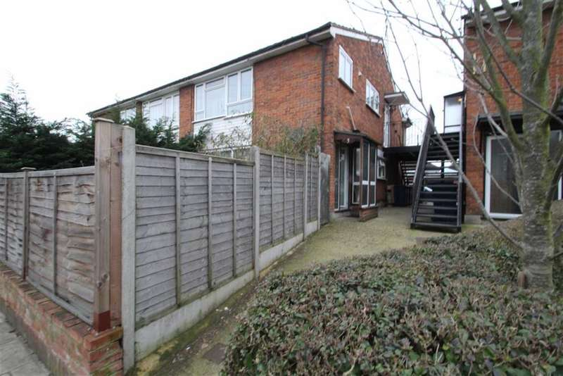3 Bedrooms Flat for sale in Oldfield Lane South, Greenford, Middlesex
