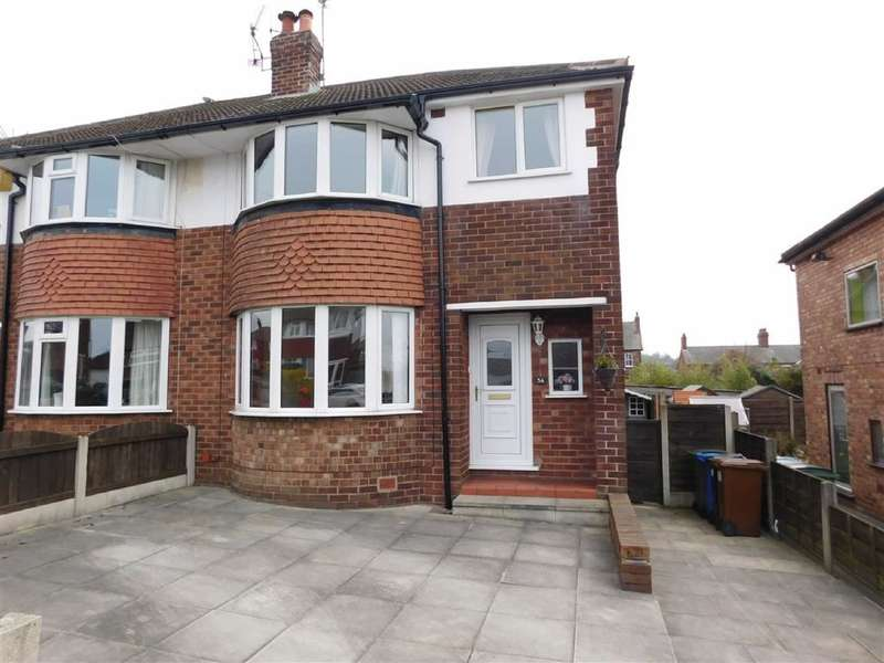 3 Bedrooms Property for sale in Norbury Drive, Marple, Stockport