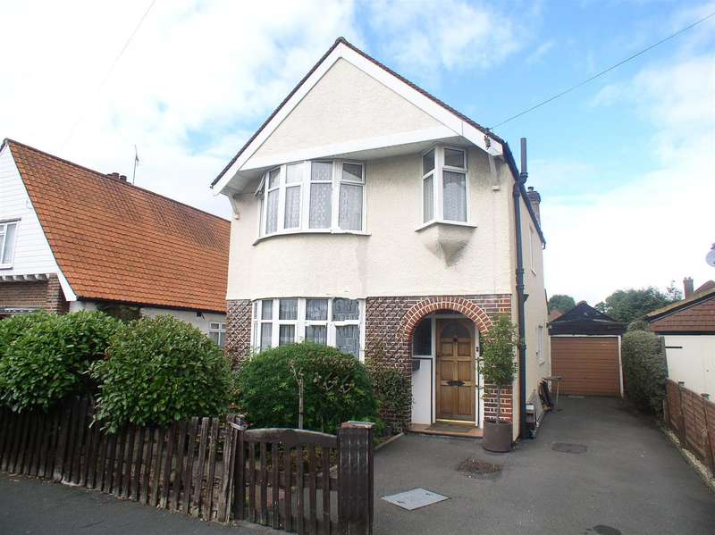 3 Bedrooms Property for sale in Dale Road, Walton-On-Thames
