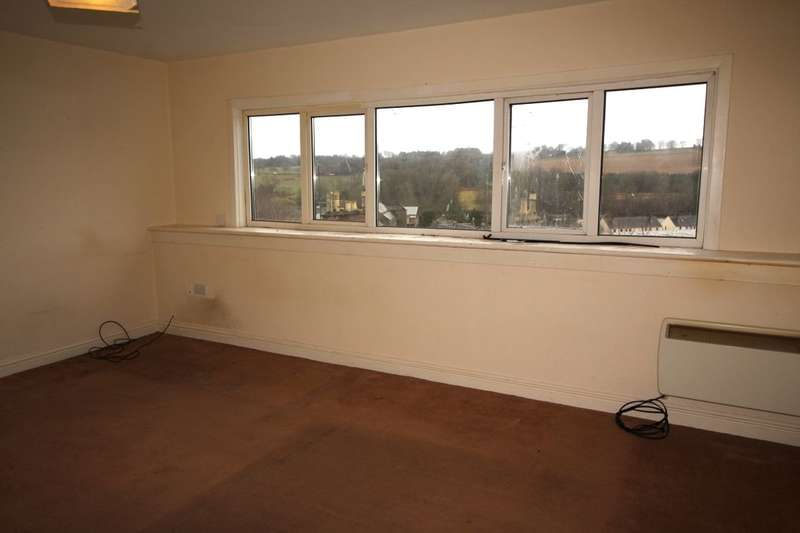 2 Bedrooms Flat for sale in Montrose Street, Brechin, DD9