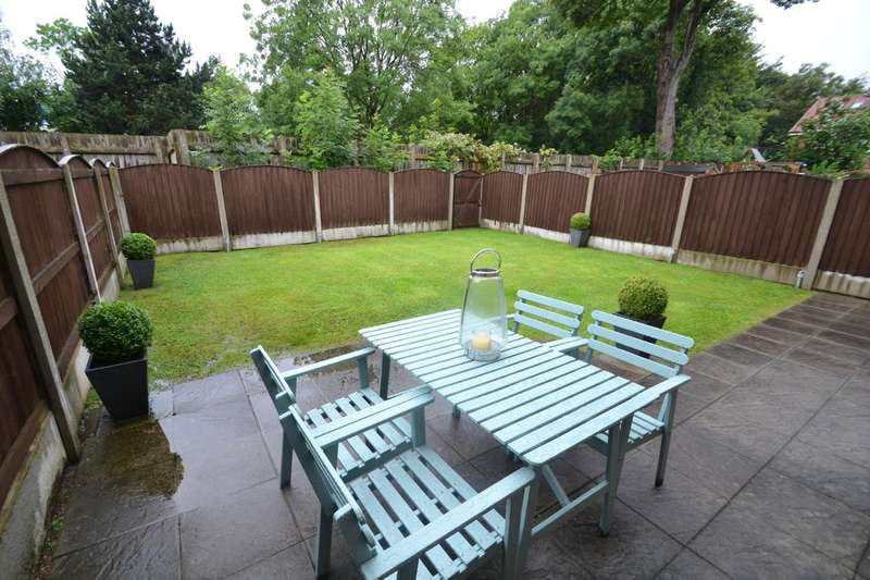 3 Bedrooms Semi Detached House for sale in Orchard Gardens, Gatley