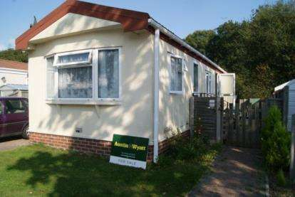 1 Bedroom Mobile Home for sale in Stopples Lane, Hordle, Hants