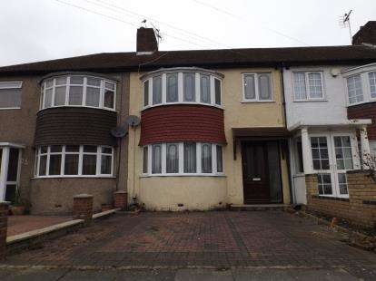 3 Bedrooms Terraced House for sale in Shirley Grove, London