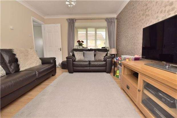 2 Bedrooms Semi Detached House for sale in Ashcombe Crescent, North Common, BS30 5NX