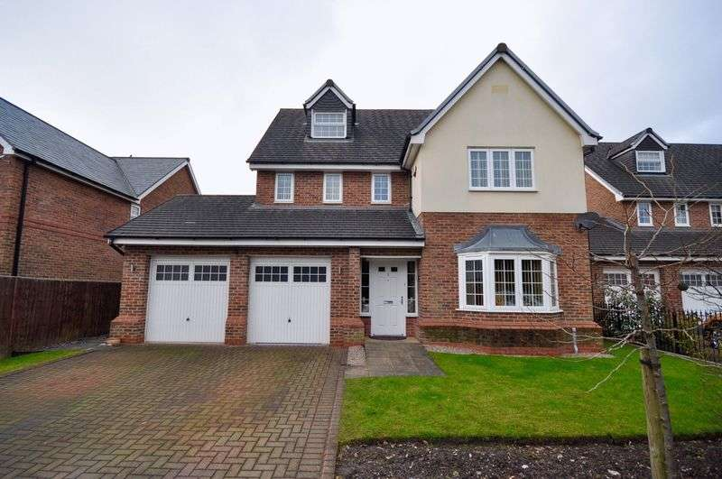 5 Bedrooms Detached House for sale in Clubhouse Close, Rochdale
