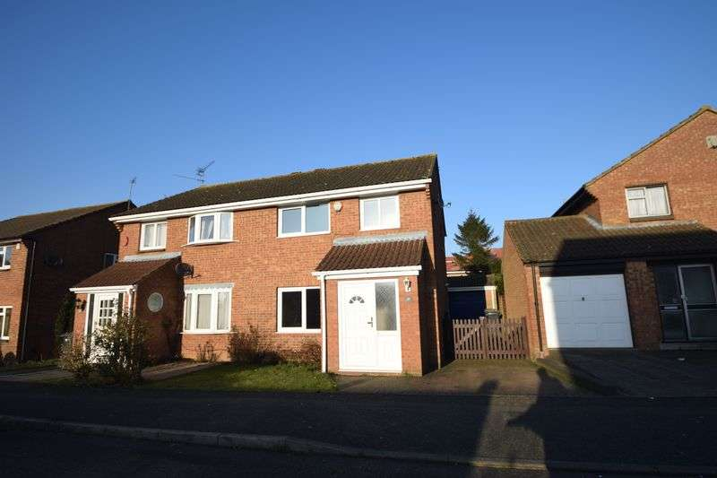 3 Bedrooms Semi Detached House for sale in Blaydon Road, Luton