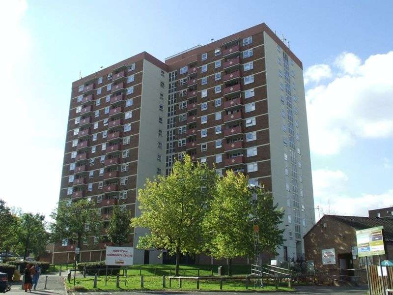2 Bedrooms Flat for sale in Kingsland Road, Luton