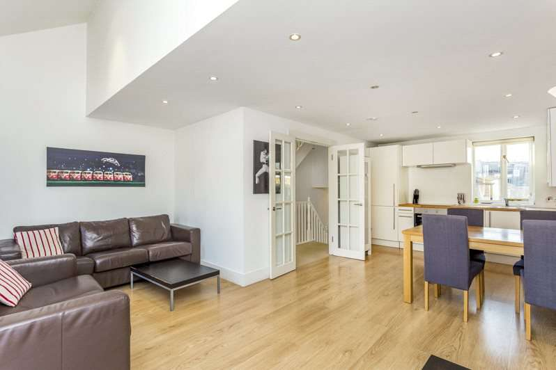 2 Bedrooms Maisonette Flat for sale in Furness Road, Sands End, Fulham, London, SW6