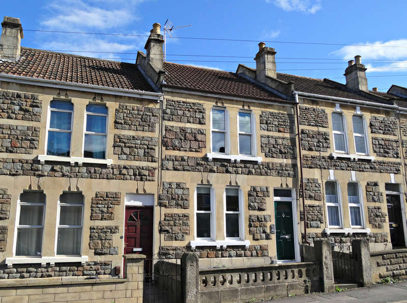 2 Bedrooms Terraced House for sale in Claude Avenue, Oldfield Park, Bath