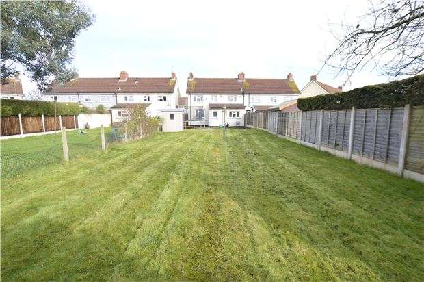 3 Bedrooms Semi Detached House for sale in Thorn Close, Yate, BRISTOL, BS37 4BP