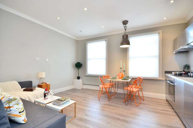 2 Bedrooms Flat for sale in Trinity Road, Tooting Bec, SW17