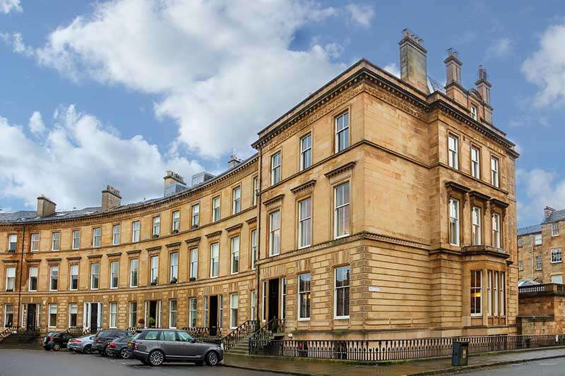2 Bedrooms Flat for rent in Park Circus, Park, Glasgow