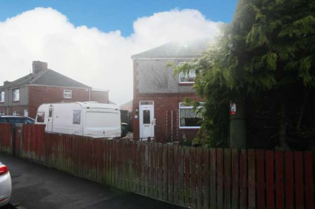 3 Bedrooms Semi Detached House for sale in Wordsworth Road, Ferryhill, Durham, DL17 0HU