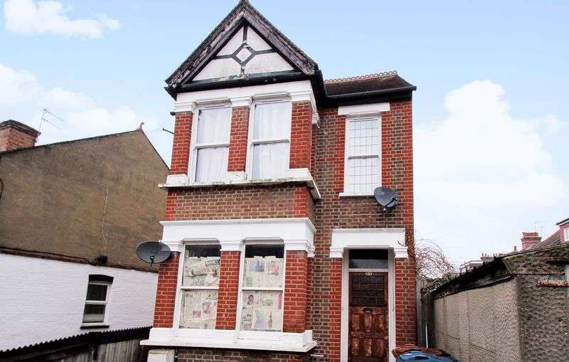 2 Bedrooms Flat for sale in Butler Road, West Harrow