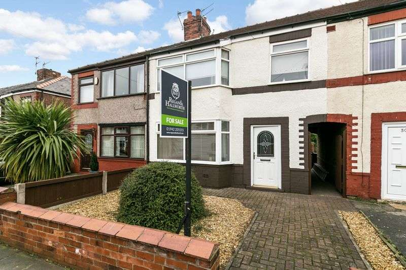 3 Bedrooms Terraced House for sale in Railway Street, Springfield, WN6 7LL