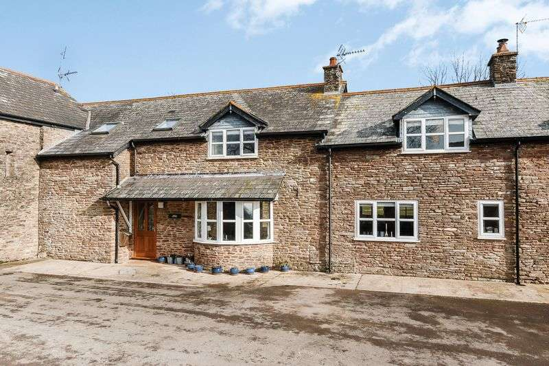 5 Bedrooms Terraced House for sale in Nr Grosmont, Abergavenny