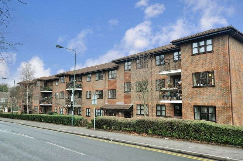 1 Bedroom Retirement Property for sale in Tudor Court, Sidcup, DA14 4HY
