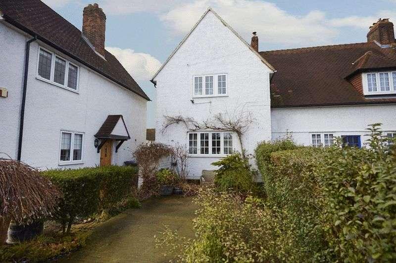 3 Bedrooms Cottage House for sale in Congreve road, Eltham SE9