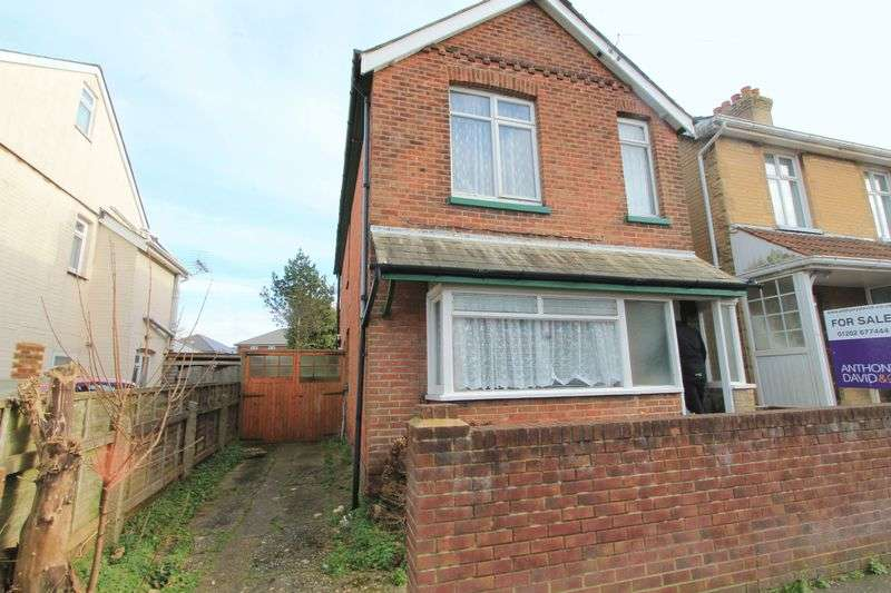 3 Bedrooms Detached House for sale in Balston Road, Poole