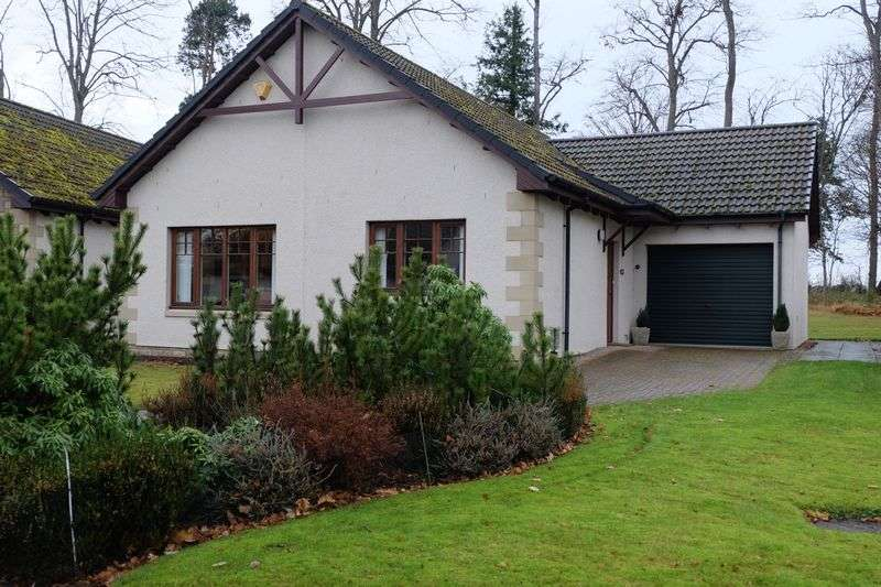 2 Bedrooms Detached Bungalow for sale in Be Quick Two Bedroom spacious Bungalow Grant Place, Nairn