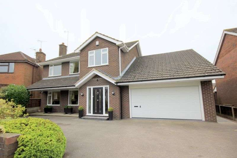 4 Bedrooms Detached House for sale in Alderton Grove, Meir Park