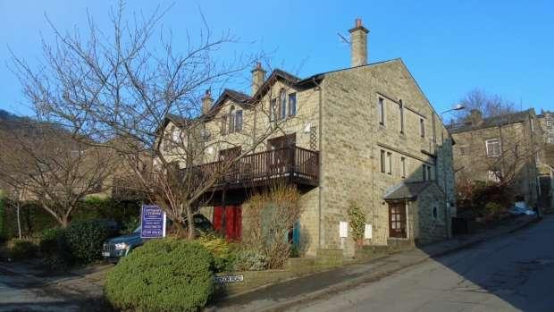 4 Bedrooms Semi Detached House for sale in Victoria Road Hebden Bridge