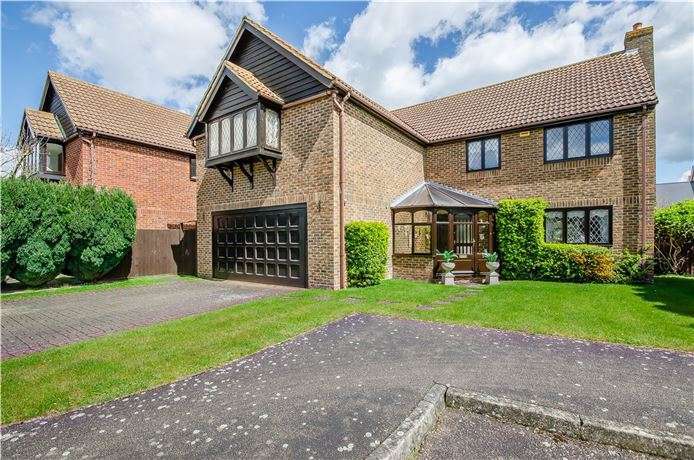 5 Bedrooms Detached House for sale in Thatcher Stanfords Close, Melbourn, Nr Royston