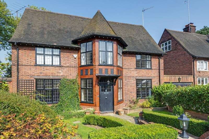 6 Bedrooms Terraced House for sale in Turners Wood Hampstead Garden Suburb NW11