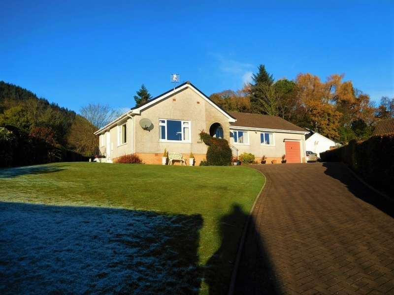 4 Bedrooms Bungalow for sale in 18 Ardenfield, Ardentinny, PA23 8TU