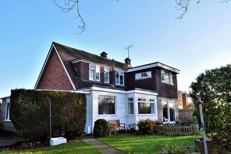 4 Bedrooms Detached House for sale in Cresswell Avenue, Taunton, Somerset