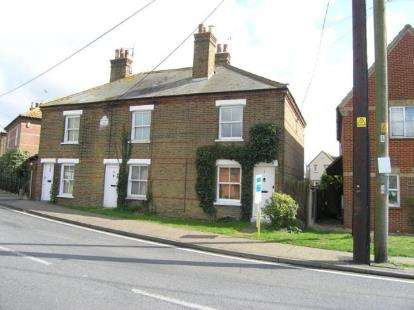 2 Bedrooms Semi Detached House for sale in Stambridge Road, Stambridge, Rochford
