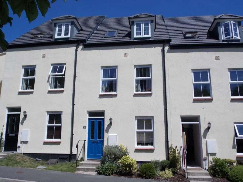 4 Bedrooms Terraced House for sale in Sparnock Grove, Truro