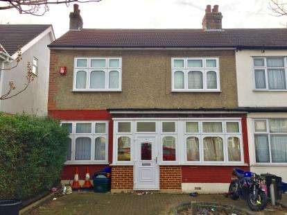 3 Bedrooms End Of Terrace House for sale in Redbridge, Ilford, Essex