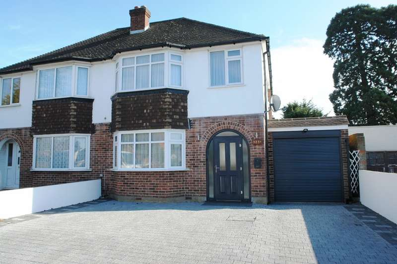3 Bedrooms Semi Detached House for sale in Hook Road, Chessington