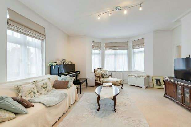 3 Bedrooms Flat for sale in The Pryors, East Heath Road, Hampstead, NW3