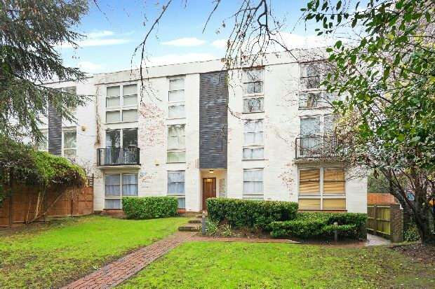 1 Bedroom Flat for sale in Chalcott Lodge, Adelaide Road, Belsize Park, NW3