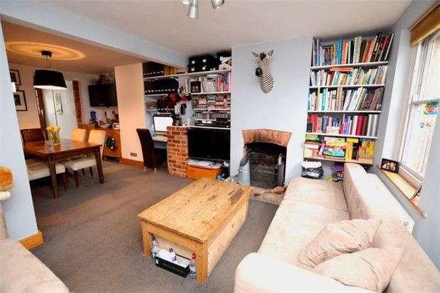 2 Bedrooms Terraced House for sale in Lower Dorrington Terrace, Stroud, Gloucestershire, GL5 2AR