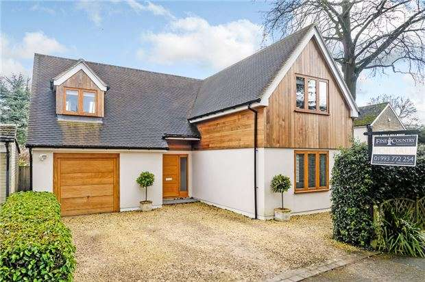 4 Bedrooms Detached House for sale in Cadogan Park, WOODSTOCK, Oxfordshire
