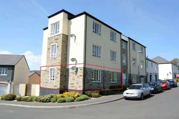 2 Bedrooms Flat for sale in Chygoose Drive, TRURO