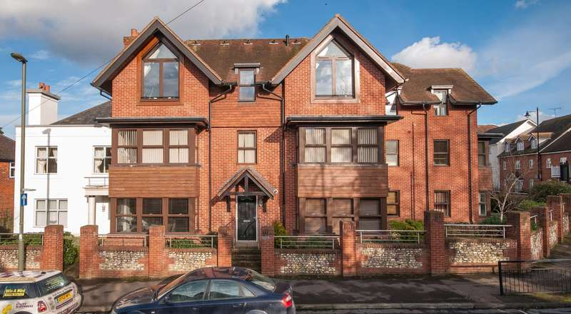 2 Bedrooms Apartment Flat for sale in St Margaret's Court, 194 South Street, Dorking, Surrey, RH4