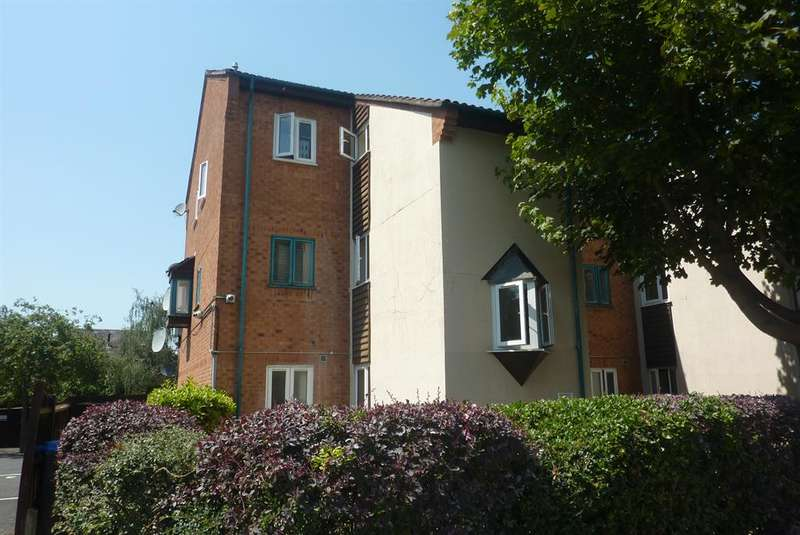 1 Bedroom Studio Flat for sale in Fleming Way, Thamesmead, London, SE28 8NR